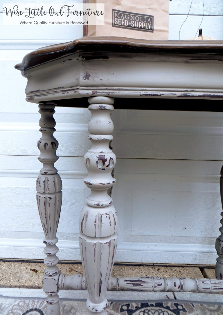 french linen entry table detail