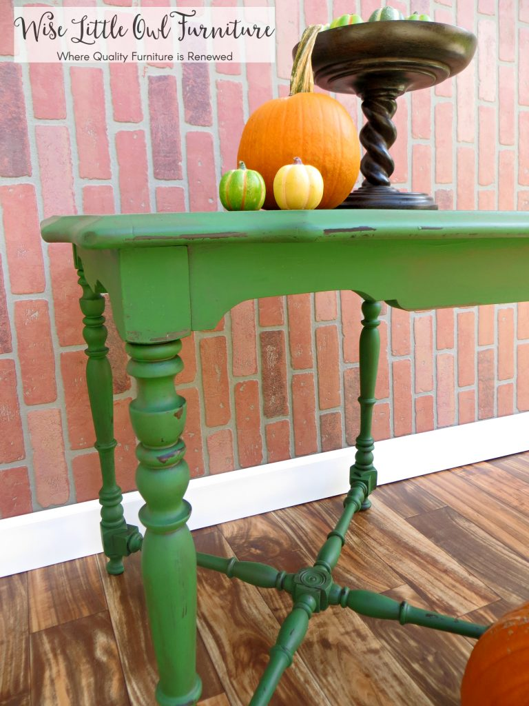 green table detail