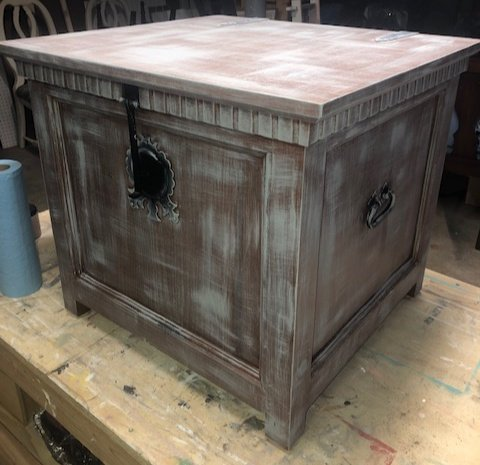 trunk end table 1 color