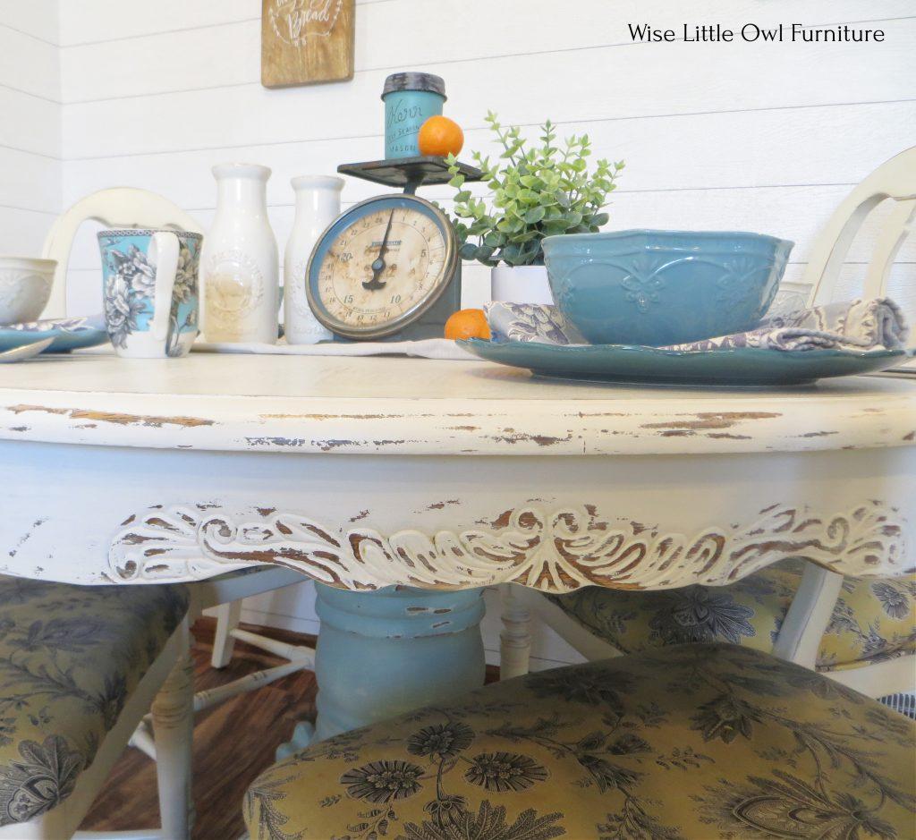 oak pedestal table apron closeup