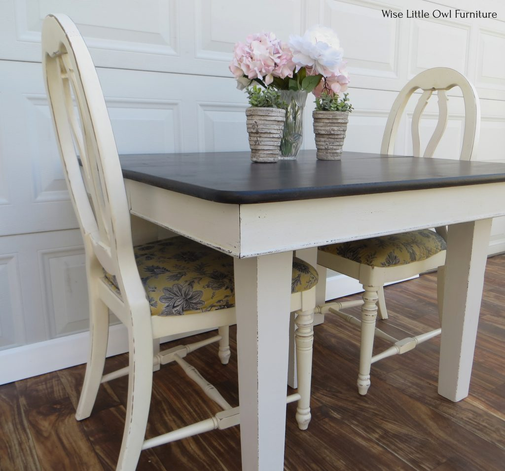 5 leg dining table side angle