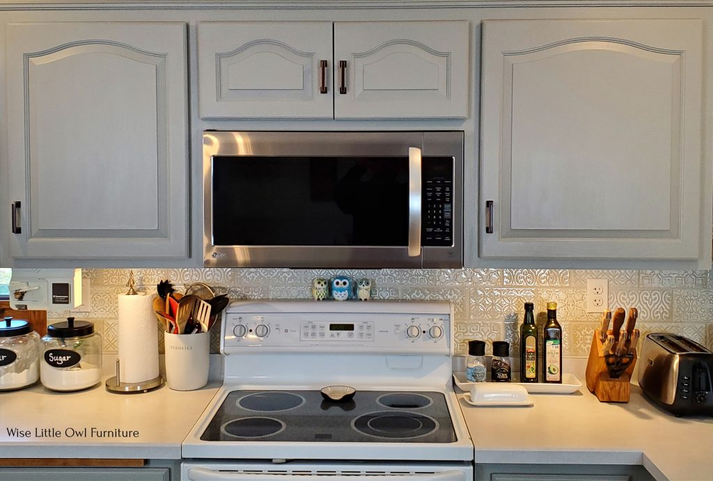 kitchen cabinets above stove